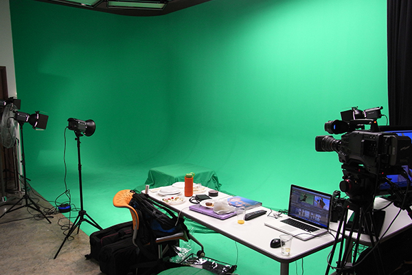 Chroma Key Backgrounds: Green or Blue?